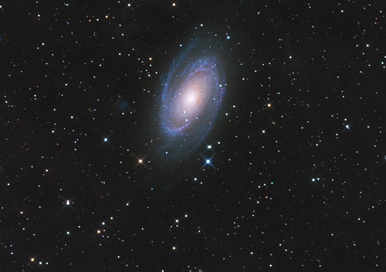 M8182webunder